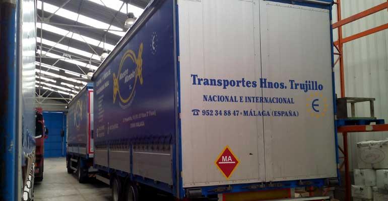 Remolque 7 metros de caja, 8000kg de carga útil